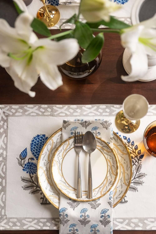 Blue Dahlias Table Mats and Napkins (Set of 6)