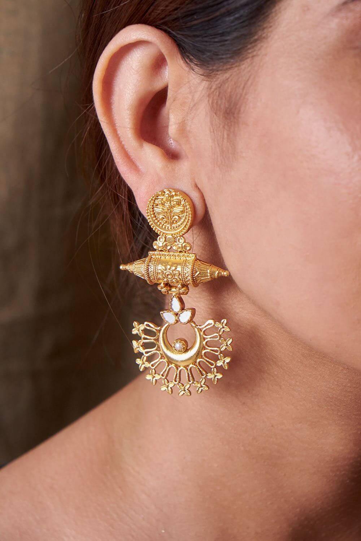 Regal Gold Earrings