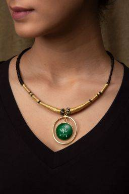 Savarija Emerald Necklace