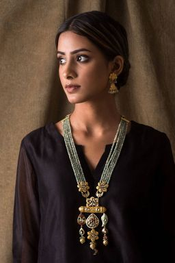 Rajasee Emerald Jewellery Set