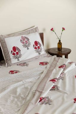 Red Dahlias Duvet