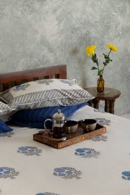 Blue Dahlias Double Bedsheet