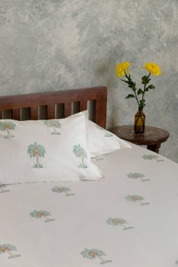 Aqua Tropical Palm Double Bedsheet with Pillow Covers
