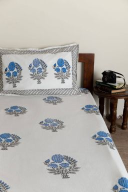 Blue Dahlias Single Bedsheet with Pillow Cover
