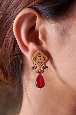 Nusrat Frill Earrings