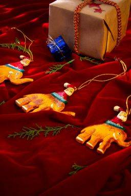 Xmas Hanging Elephants (Set of 3 )