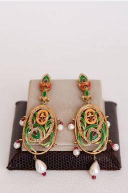 Naila Crest Earrings