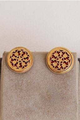Hirdaani Stud Earrings