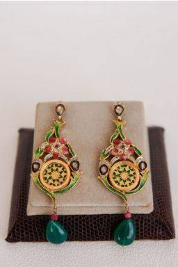 Ruadhri Dangling Earrings