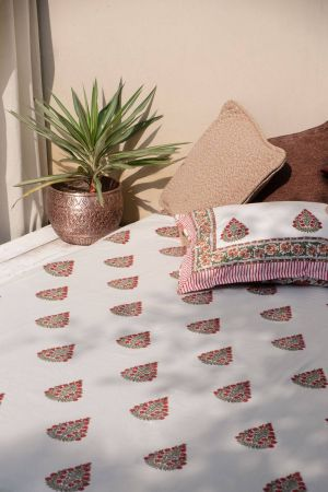 Jarek Floral Booti Double Bedsheet with Pillow Covers