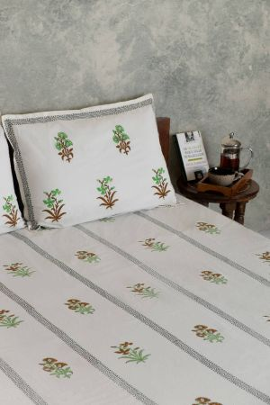 Parakeet Floral Motif Double Bedsheet with Pillow Covers