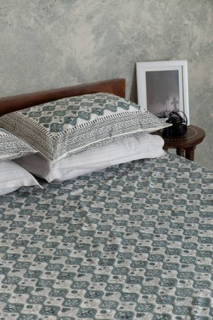 Fontanne Verdant Double Bedsheet with Pillow Covers