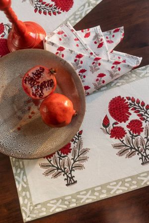 Red Dahlias Table Mats and Napkins (Set of 6)