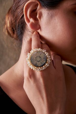 Shell Pearls Ring