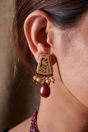 Regina Maroon Earrings
