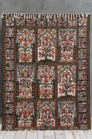 Jomana Embroidered Carpet (6ft x 4ft)