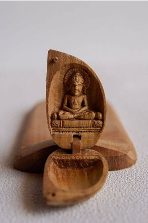 Sandalwood Chaste Lord Mahavir