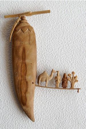 Carved Sandalwood Peapod